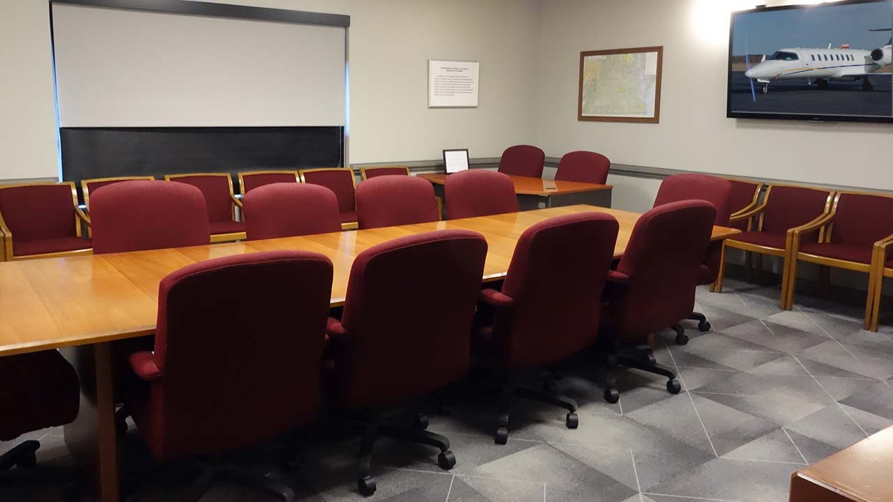 chesapeake-regional-airport-conference-room